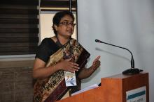 Kirtida talking at a Sjogrens Patient Support Group Meeting