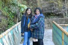 Alina Rizvi (on the left) with her mother and ovarian cancer patient Rabab Rizvi